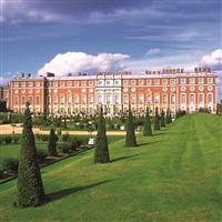 Hampton Court Palace & Festive Lunch