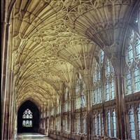 Gloucester Cathedral Tour & Cream Tea