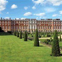 Hampton Court Palace - Coach Only