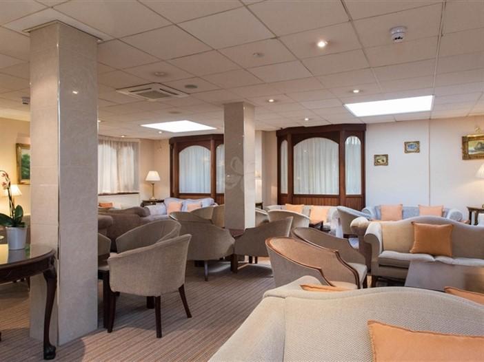 Mayfair Hotel Lounge