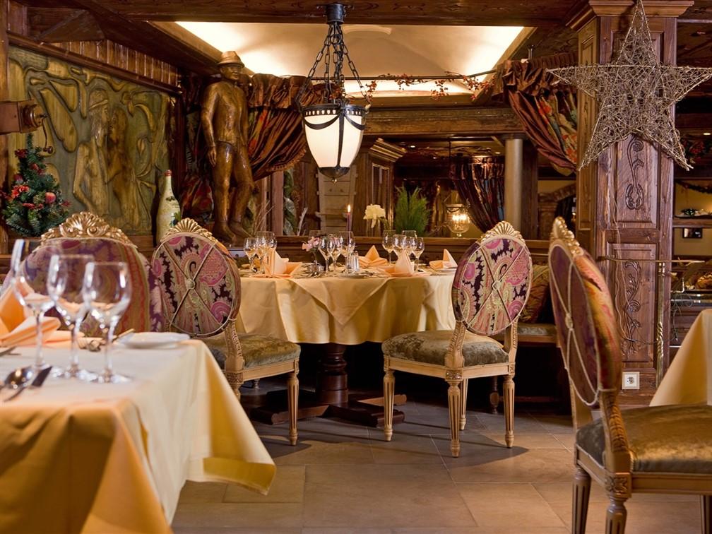 Hotel Alex Dining