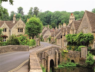 Singles in the Cotswolds