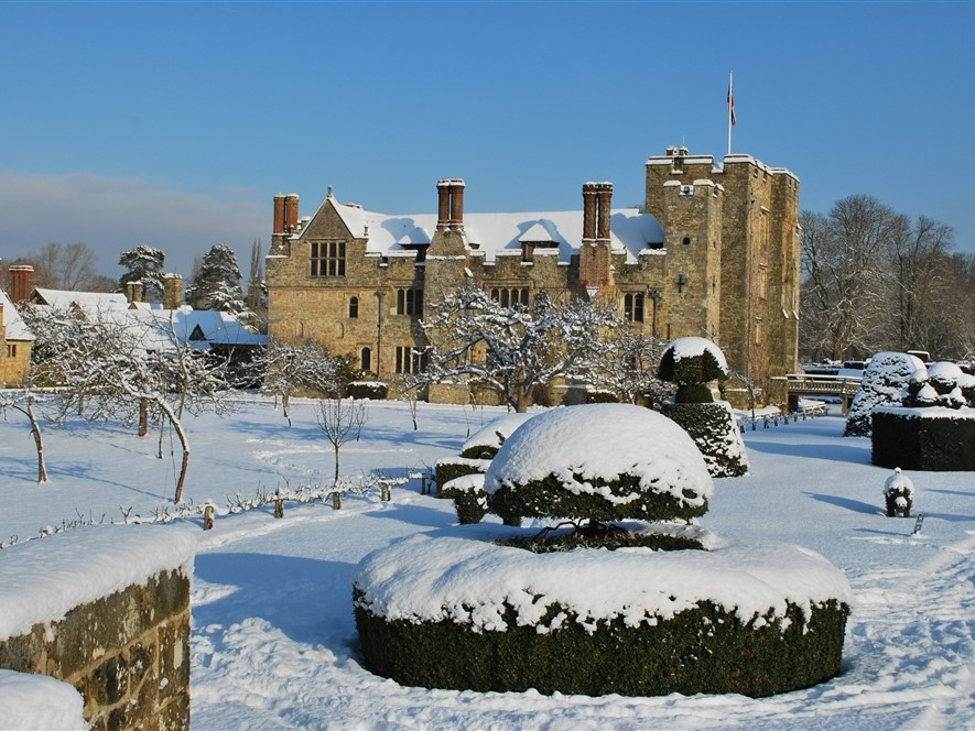 Hever Castle in Snow