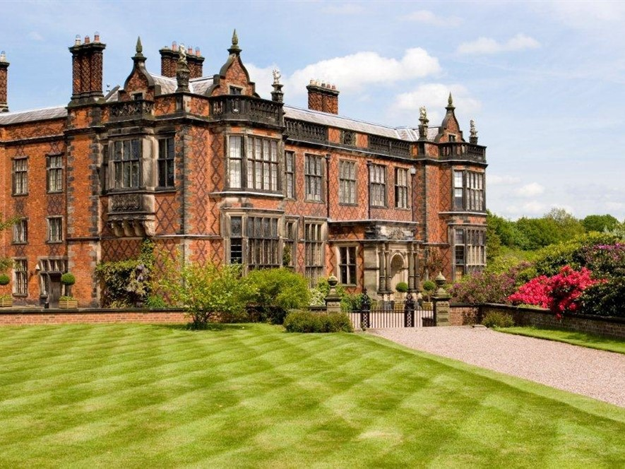 Historic Houses, Waterways & Cheshire Gardens