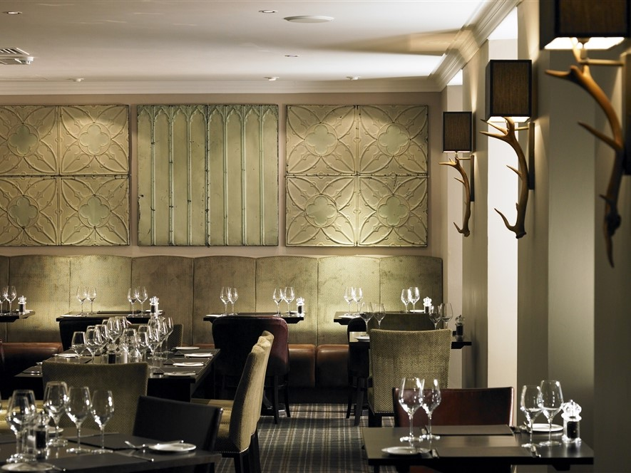 Barony Castle Hotel, Bar & Restaurant