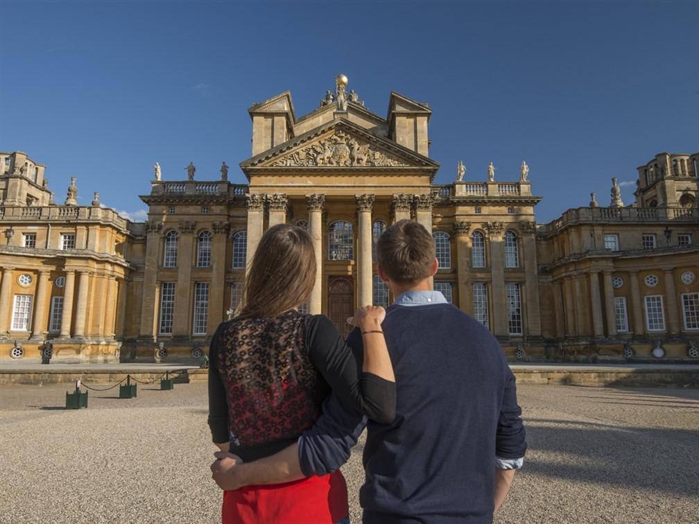 Blenheim Palace Great Court Couple