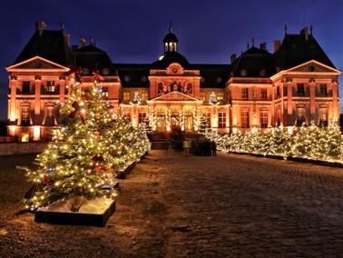Chateau le Vicomte & Paris at Christmas