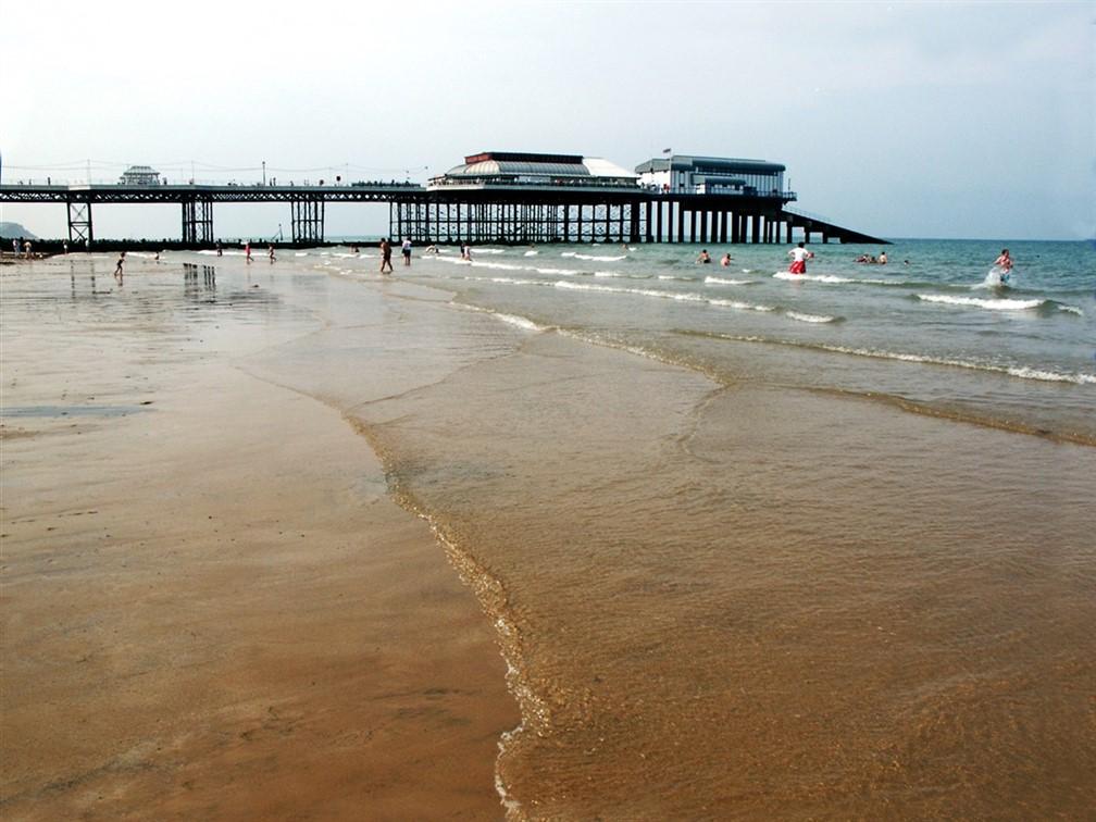 Cromer Pier & Beach - © Visit Norfolk