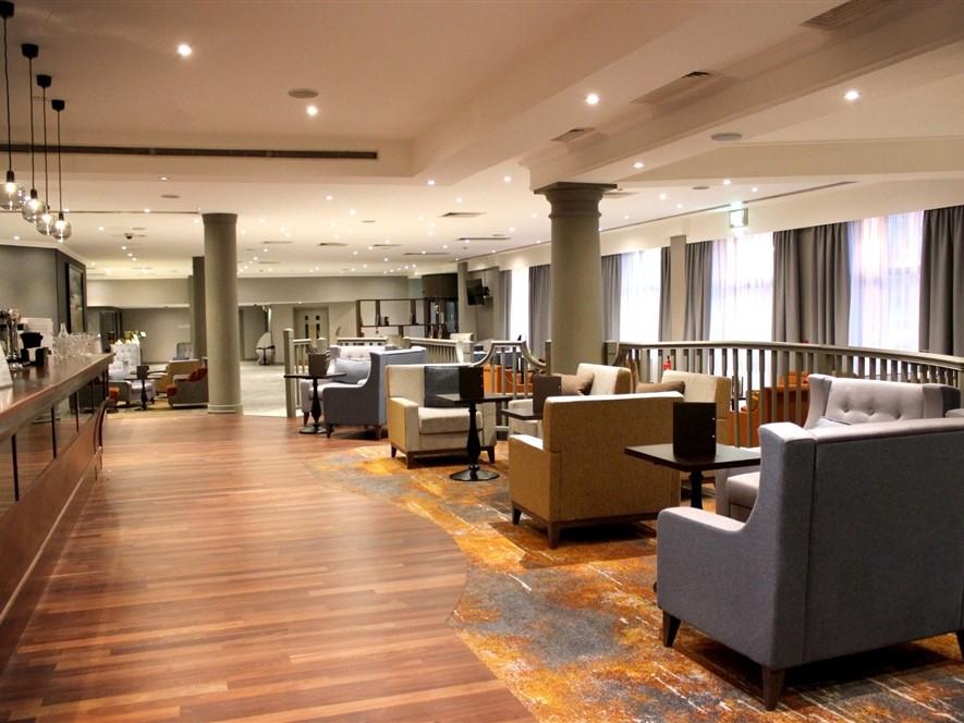 Doubletree by Hilton Swindon - Bar