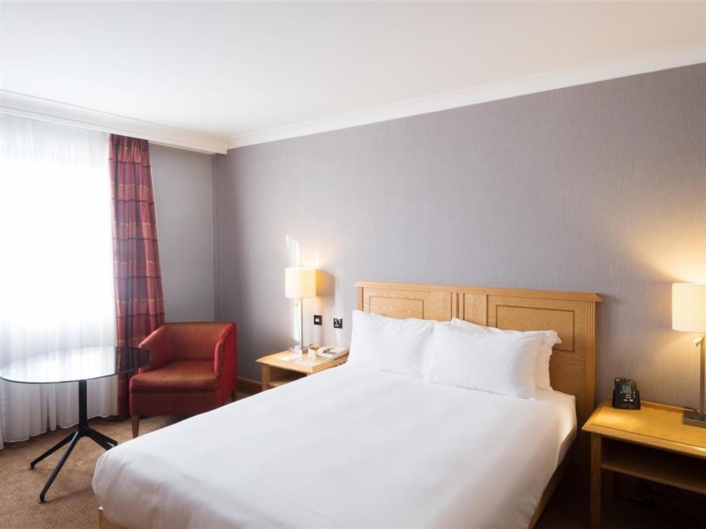 Doubletree by Hilton Swindon standard double room