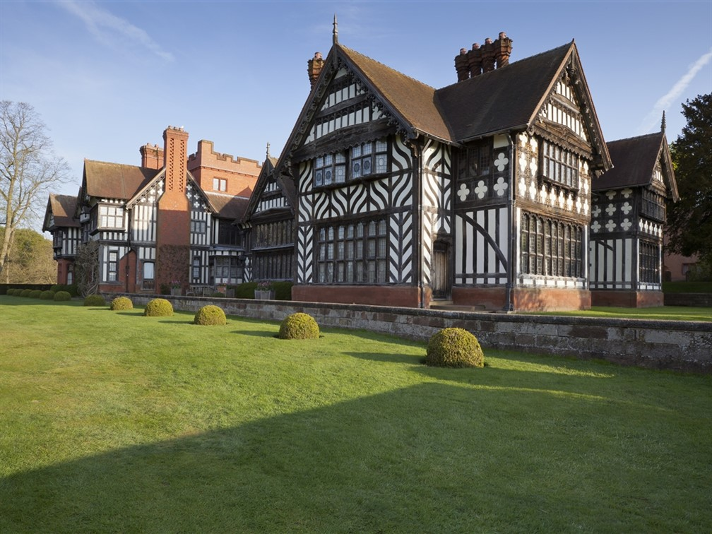 Wightwick ©National Trust Images/Chris Lacey