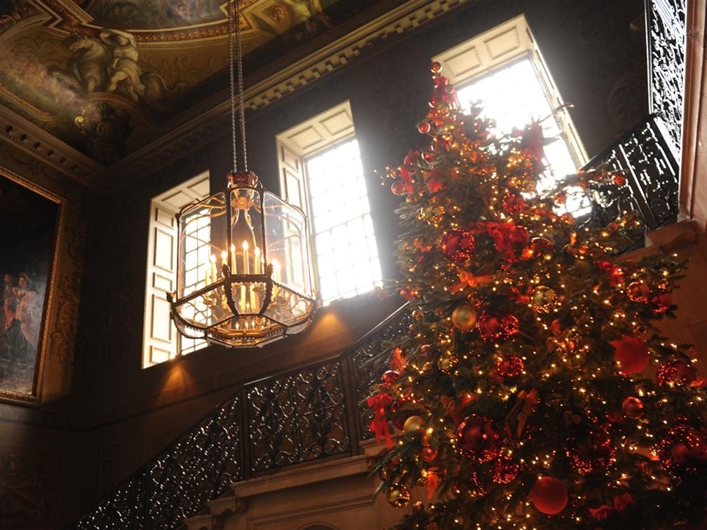 Hampton Court Palace and Festive Afternoon tea