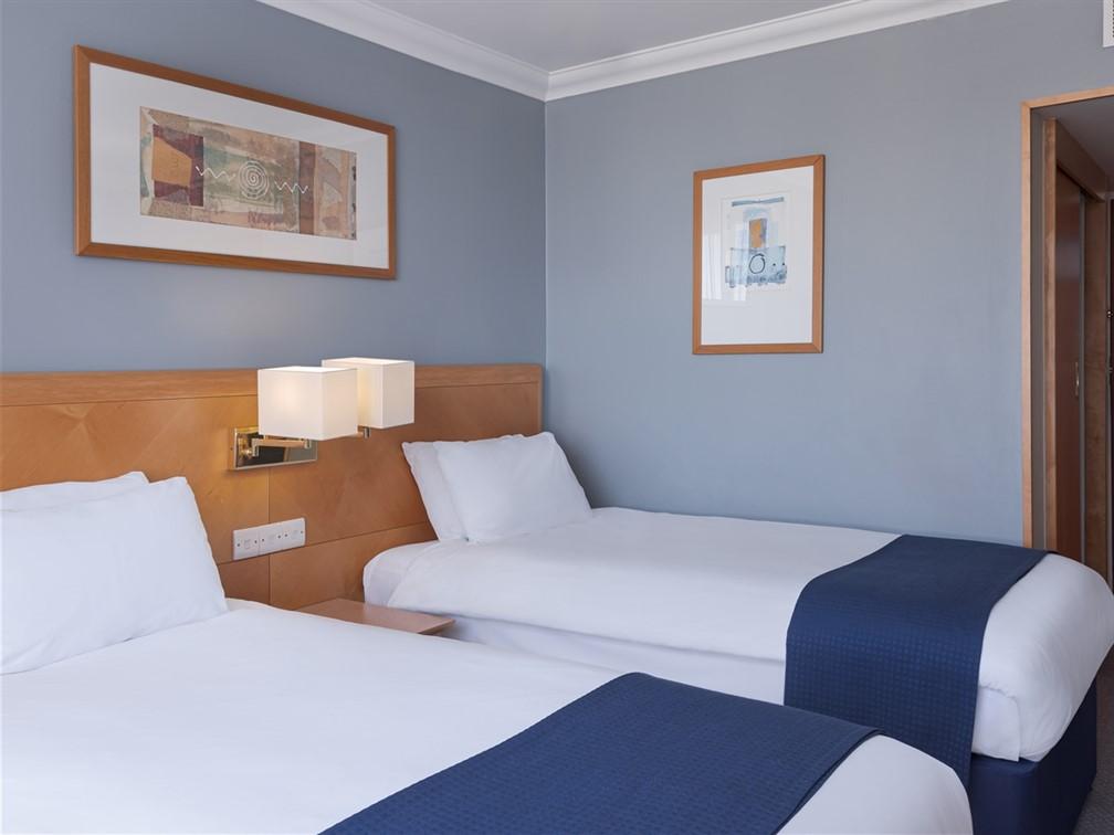 Holiday Inn London Kensington Forum Standard Twin
