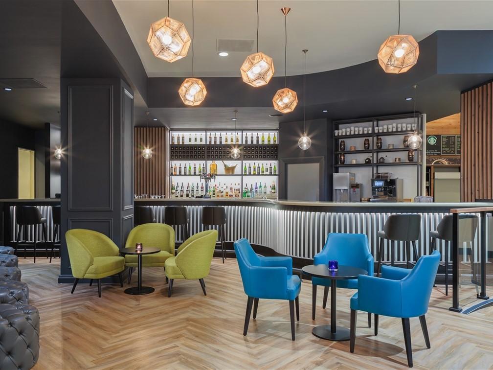 Holiday Inn London Kensington Forum Ashburn Bar
