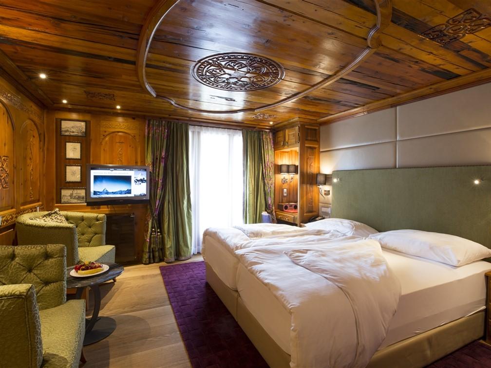 Hotel Alex Bedroom
