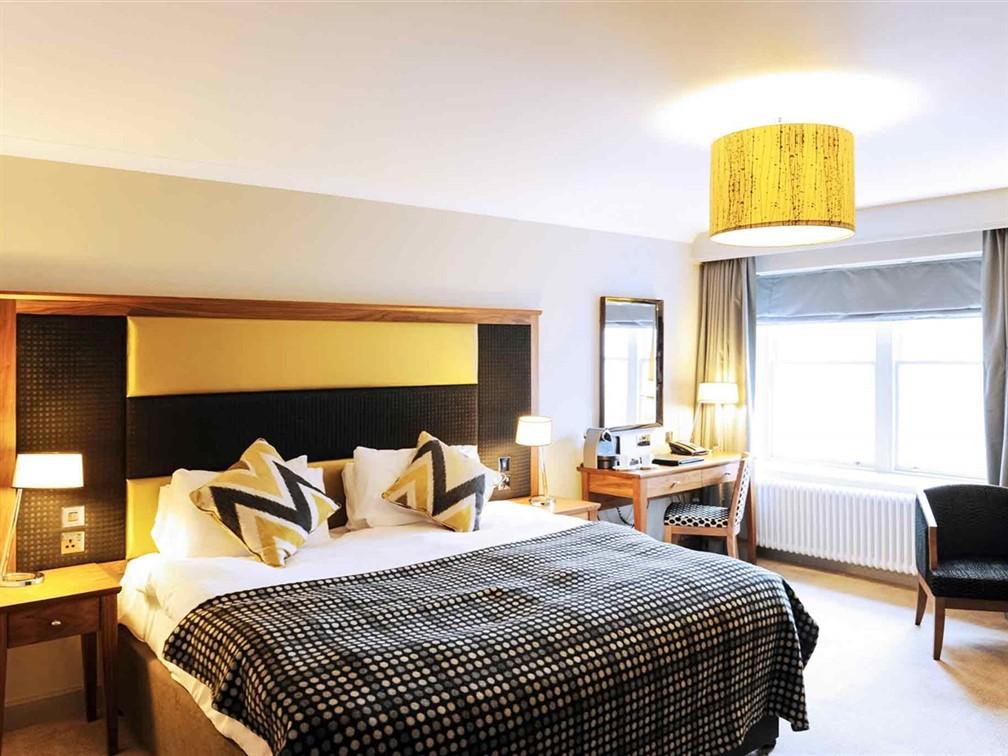 Mercure Aberdeen Ardoe House Room