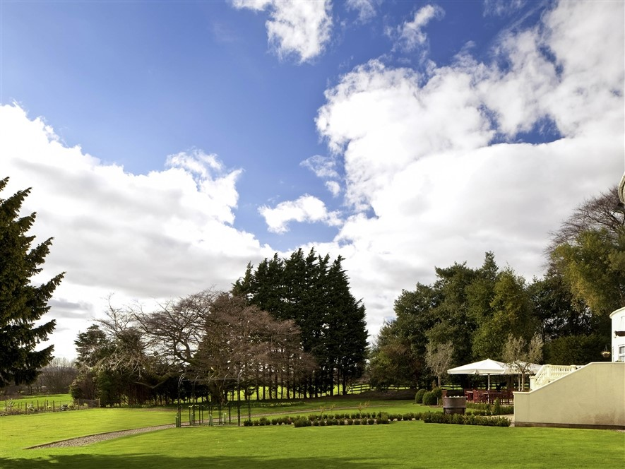 Mercure Chester Abbots Gardens