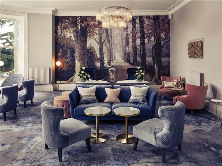 Mercure Gloucester Bowden Hall- Lounge