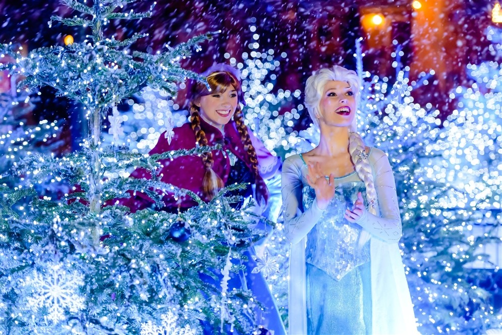 Disneyland® Paris - Disney's Enchanted Christmas