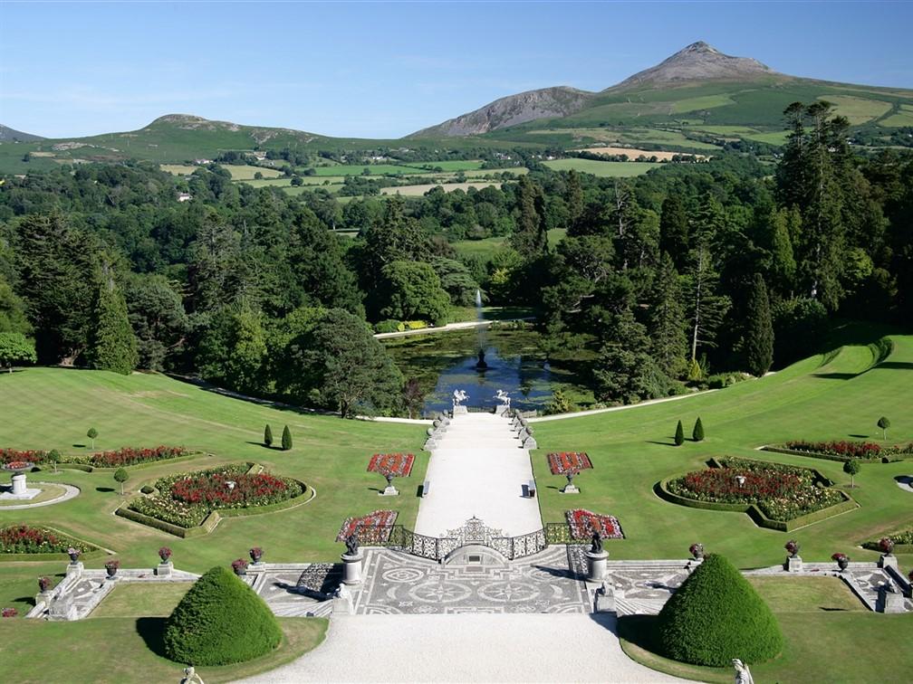 © Tourism Ireland Powerscourt House and Gardens
