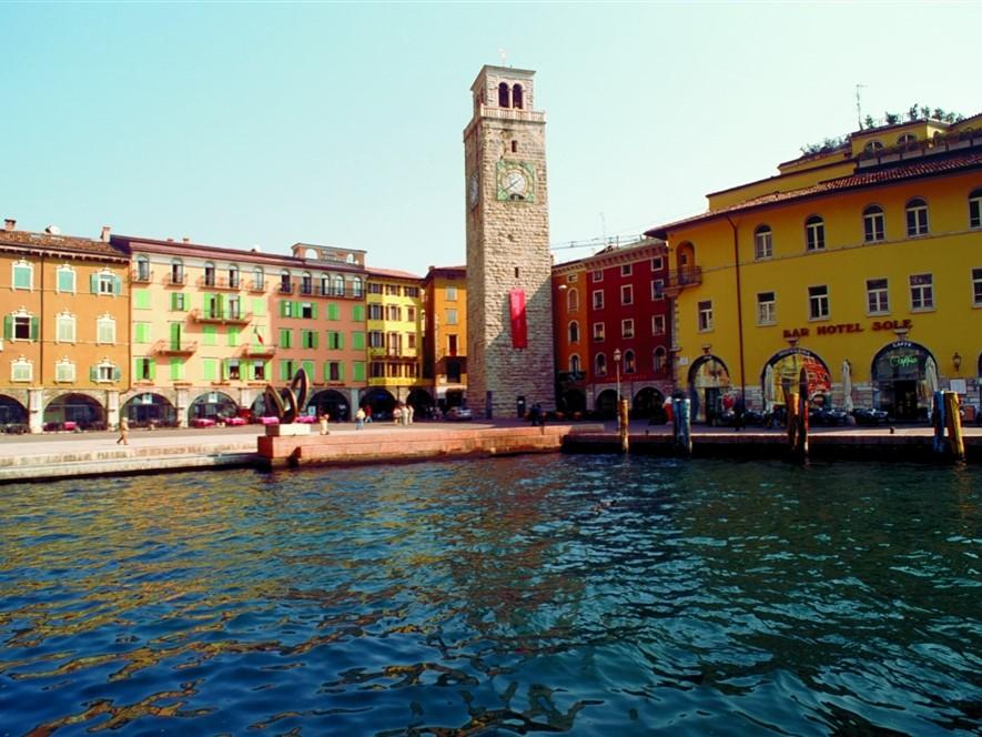 Apponale Tower & Piazza FototecaENIT Vito Arcomano