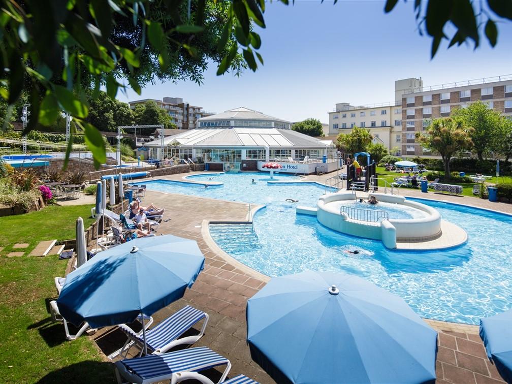 The Merton Hotel - The Aquadome outdoor pool