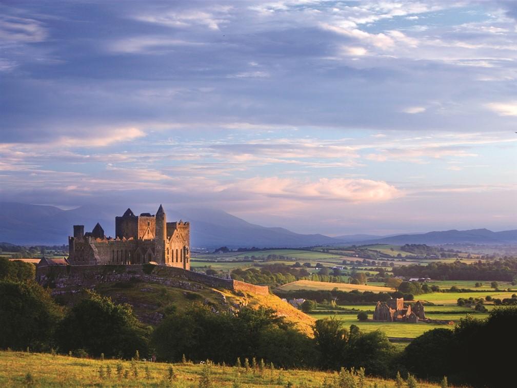 The Rock of Cashel © Tourism Ireland