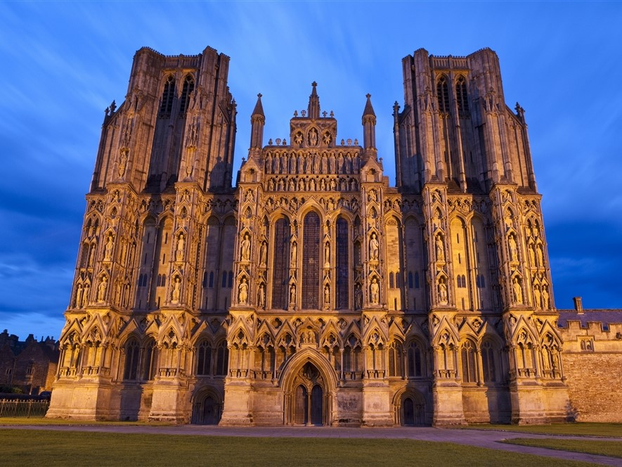Wells Cathedral at dusk