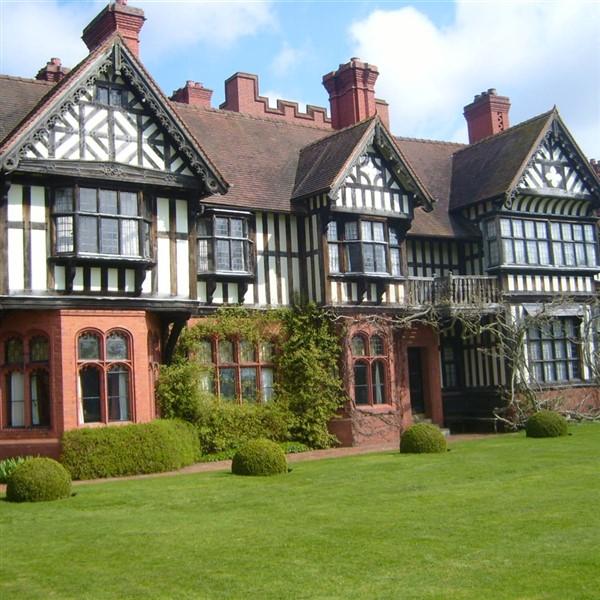 Wightwick Manor ©copyrightianmurfitt