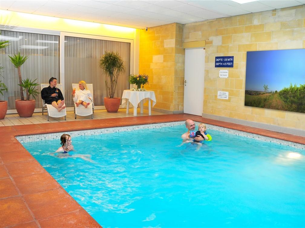 Walram Hotel Swimming Pool