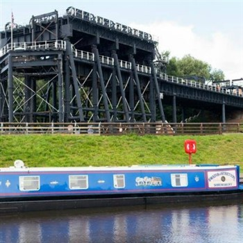Anderton boat lift and River Weaver