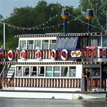 Mississippi Paddle Boat and Wroxham